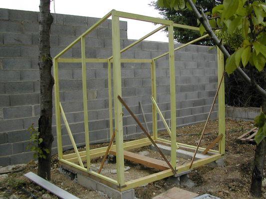 Poulailler pour 6 poules poulailler for Construire un poulailler plan